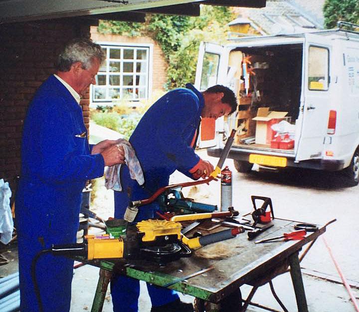 Historische foto's Henk en Robert van der Poel Goois Verwarmings- en Installatiebedrijf